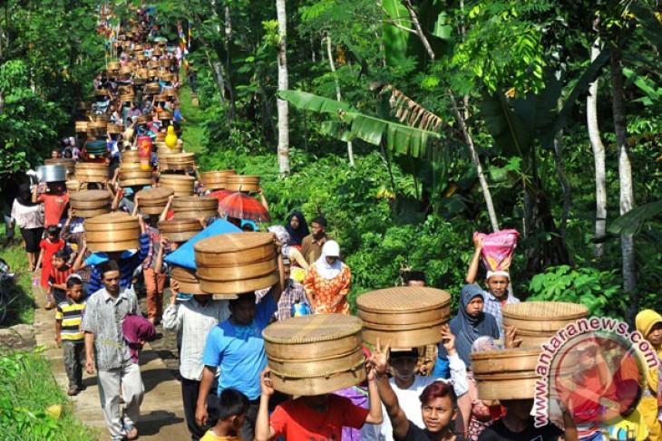 1.000 tenong ramaikan tradisi Nyadran Kembangsari Temanggung