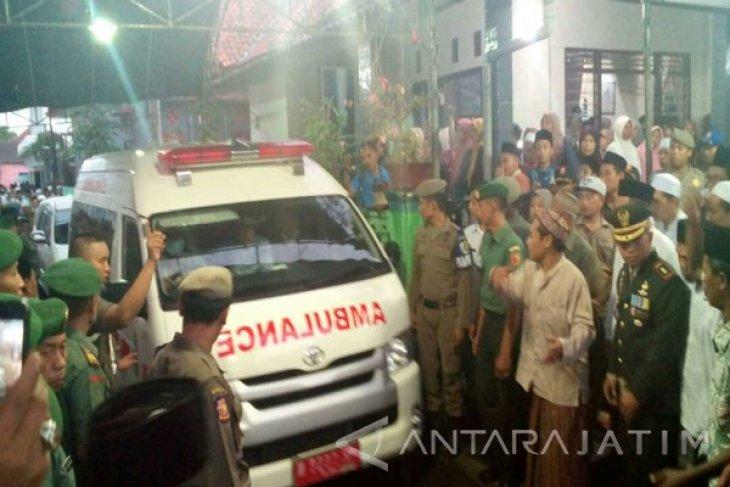 Jenazah Bupati Sampang Tiba di Rumah Duka