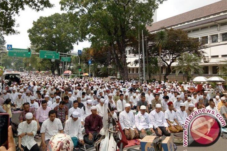 Mahkamah Agung Terima Perwakilan Massa Aksi Simpatik 55