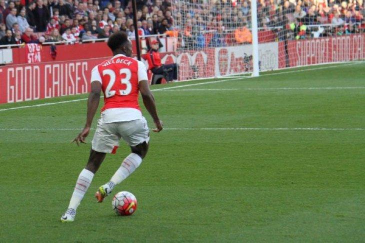 Komentar Wenger atas penalti pertama Welbeck yang kontroversial
