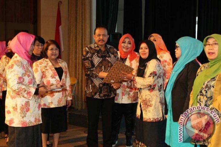 Ratusan Koperasi Wanita Terbentuk Bersamaan Di Bandung