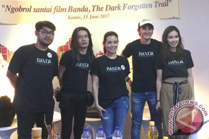"Jay Subiyakto perdana sutradarai film dokumenter ""Banda, The Dark Forgotten Trail"""