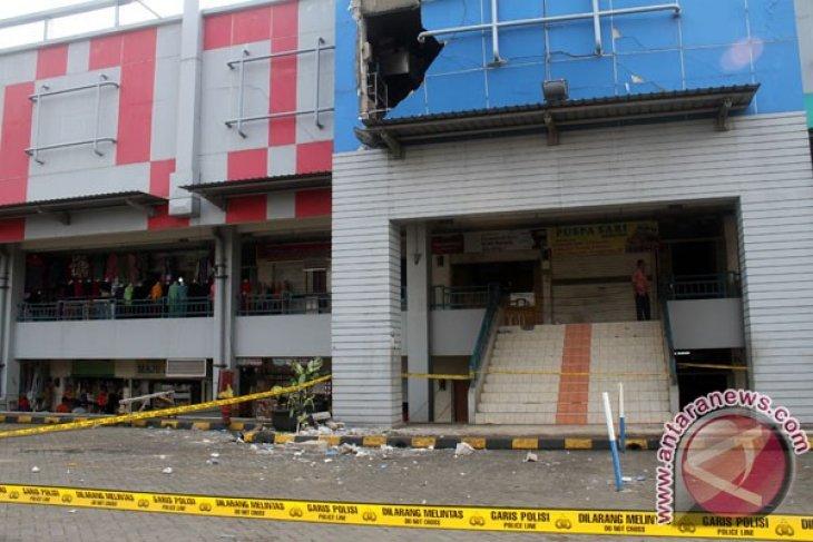 Ledakan Di Restoran Pusat Perbelanjaan