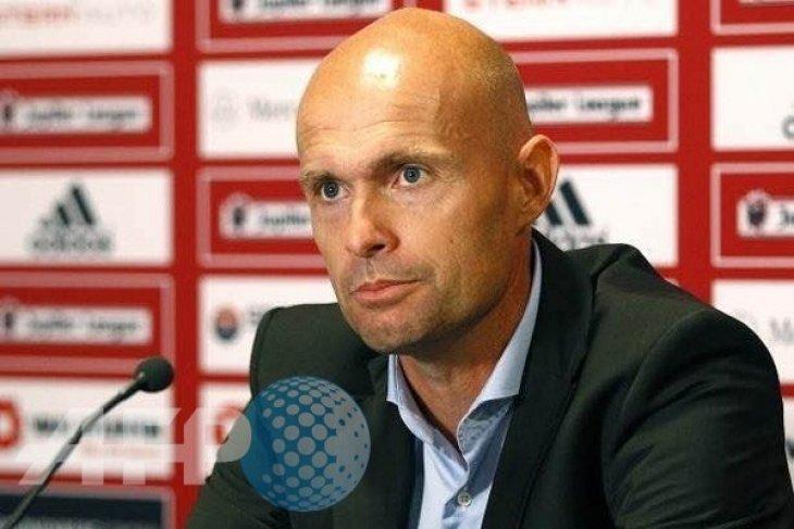 Ajax promosikan Keizer jadi pelatih kepala