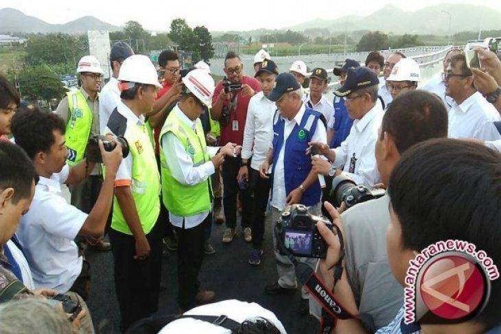 Menteri PUPR akui tol darurat dan empat flyover ampuh memecah kemacetan arus mudik Lebaran