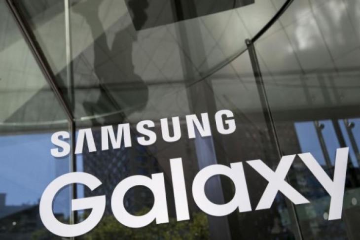 Samsung Galaxy X layar lipat selesai dikembangkan pada Juni?
