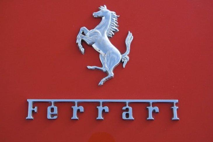 "Komunitas Ferrari menjajal lintasan ""Street Circuit"" BSD"