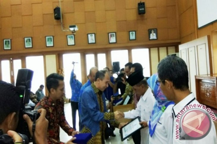 BNN Maluku Beri Penghargaan Kepada Pendukung P4GN
