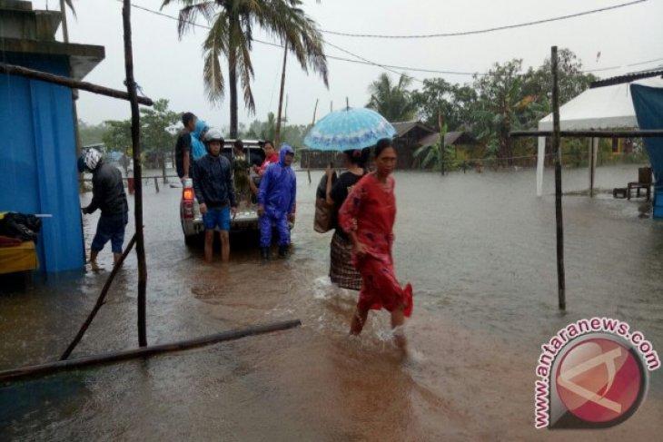 PT Timah Bantu Korban Banjir di Kabupaten Belitung