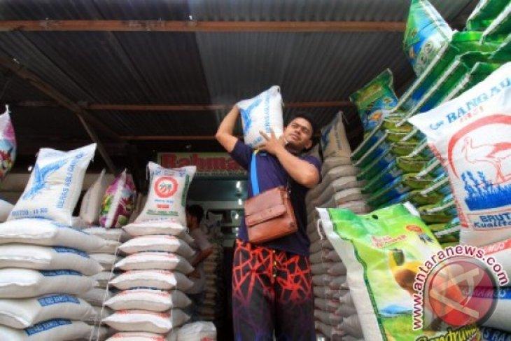 HET Beras Disosialisasikan Kepada Pedagang Sukabumi