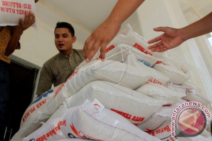 Bulog Karawang pastikan stok beras aman