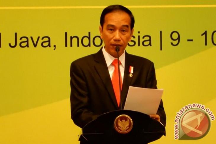 Rp220 triliun dana Pemda diparkir di bank, kata Jokowi