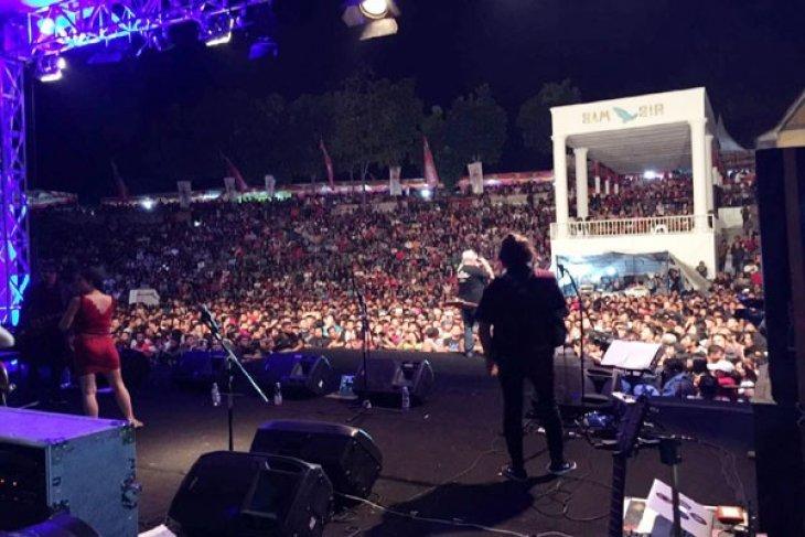 Sita Perhatian Wisatawan, Tobatak Festival Samosir 2017 Berjalan Heboh dan Sukses