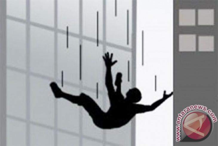 Mahasiswa Undip jatuh dari lantai delapan