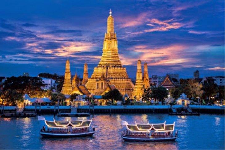Mantan Perdana Menteri Thailand Yingluck Kabur Ke Dubai
