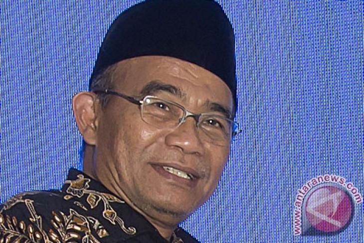 Lagu Indonesia Raya tiga stanza diberlakukan nasional