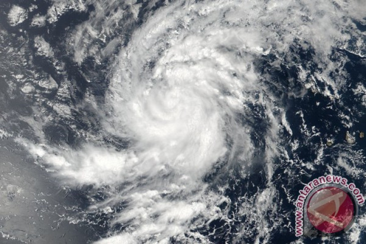 Giliran Badai Maria yang mengamuk di benua Amerika