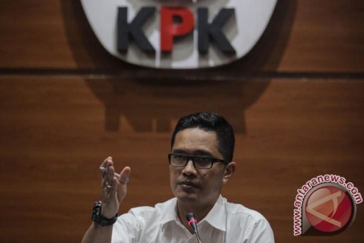 Bupati Subang Imas Aryumningsih ditahan KPK