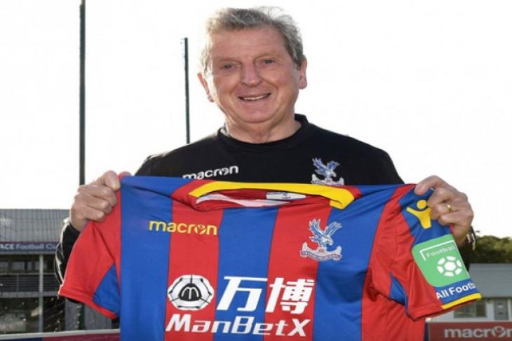 Hodgson perpanjang kontrak di Palace sampai 2020