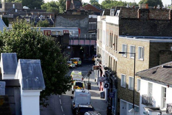 Polisi London tangkap tersangka keenam pengeboman kereta bawah tanah