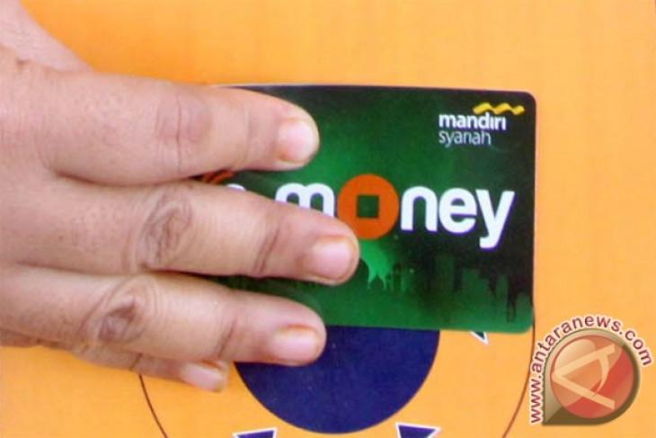 Lampung Tengah terapkan transaksi nontunai