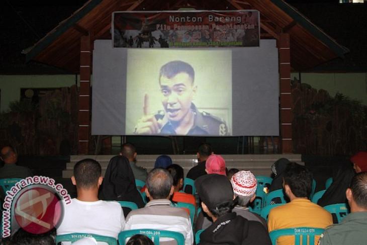 Antusiasme warga Karimun tonton Pengkhianatan G30S/PKI