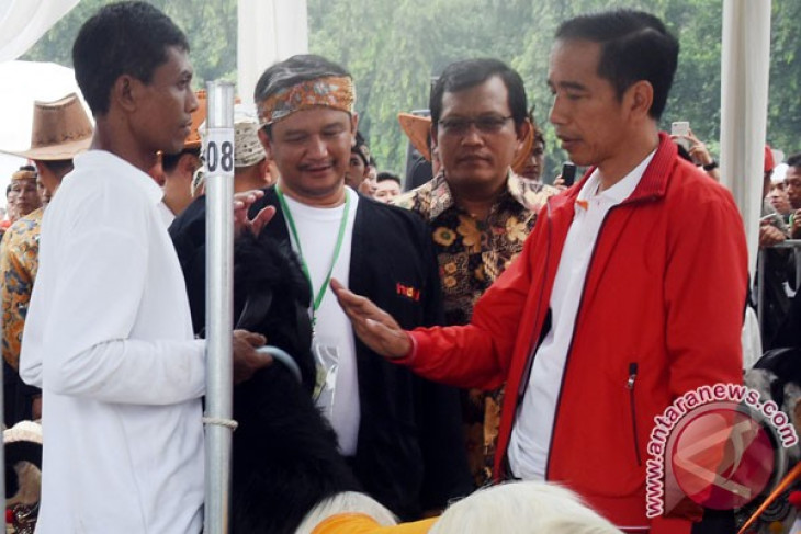 Jokowi calls for introduction of modern farming