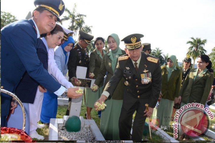 TNI Ziarah Nasional ke Makam Pahlawan Kapahaha