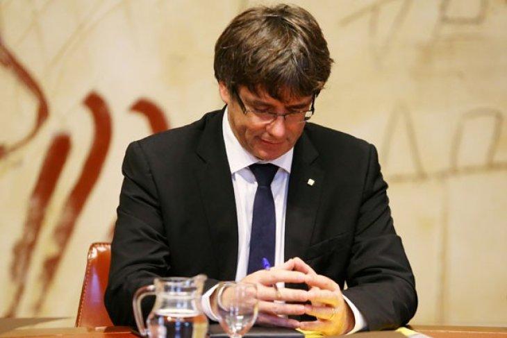 Spanyol beri pemimpin Catalunya lima hari untuk klarifikasi pernyataan kemerdekaan