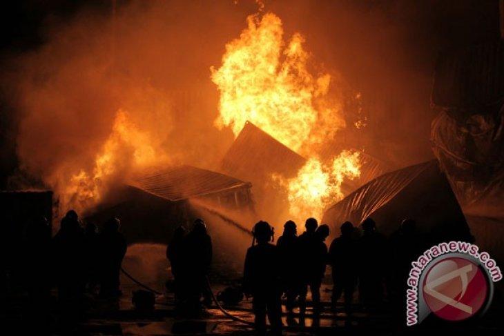 Kebakaran Kontainer