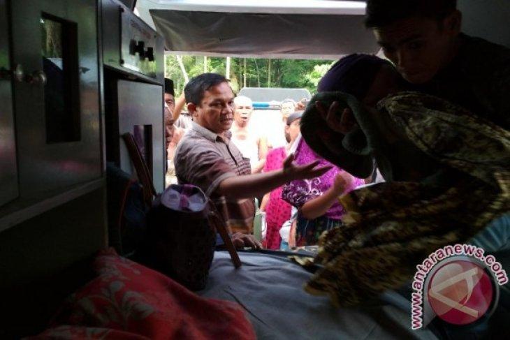 Filda Nasution Diberangkatkan Menggunakan Ambulance