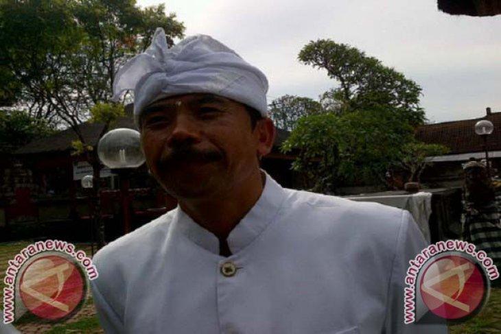 PHDI Bali sumbang sembako kepada pengungsi Gunung Agung