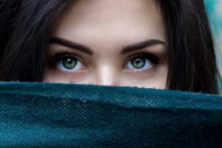 Bentuk alis apa yang cocok untuk wajah Anda?