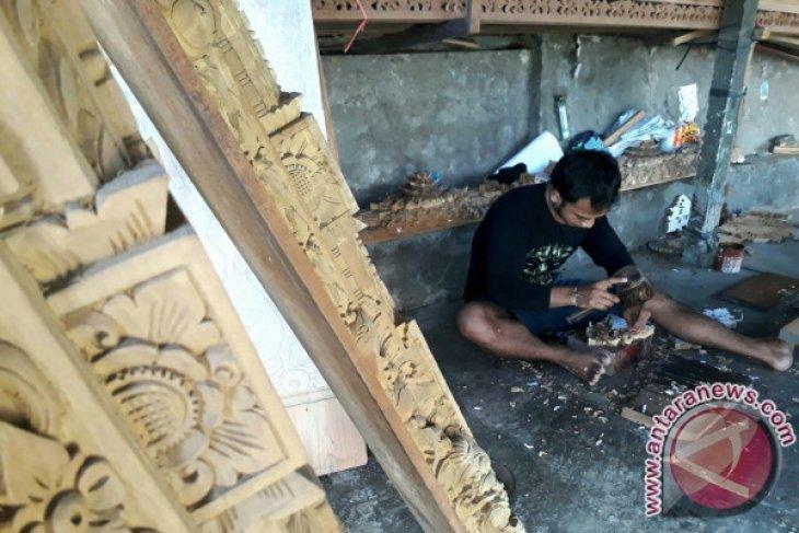 ASABRI Denpasar Membina UKM Pengerajin Ukiran Bali