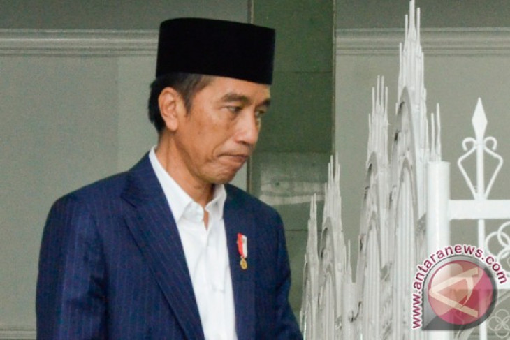 Presiden Jokowi blusukan ke mall di Medan, ini alasannya