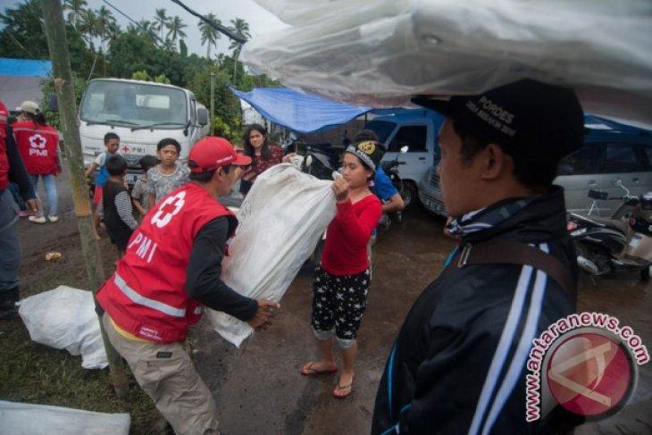 PMI salurkan bantuan kepada korban banjir di Kaitettu