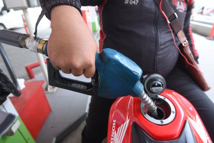 Indef: harga premium seharusnya Rp8.925 per liter