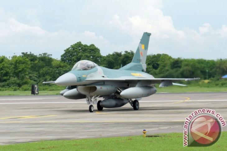 F-16 TNI AU persiapan latihan tempur multinasional