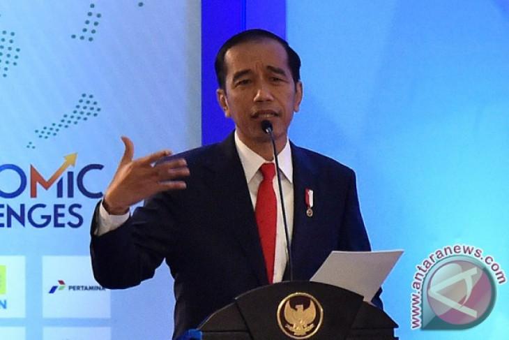 Jokowi underscores importance of economic transformation antara news jokowi underscores importance of economic transformation reheart Choice Image