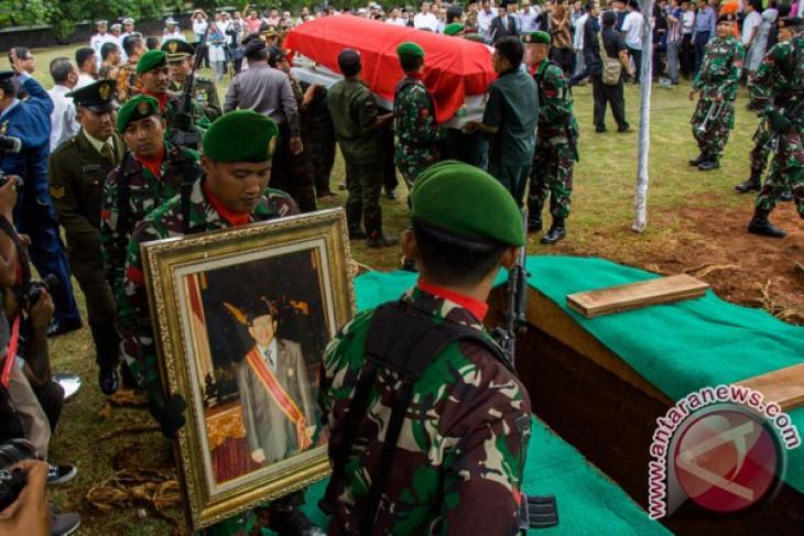AM Fatwa meninggal dunia