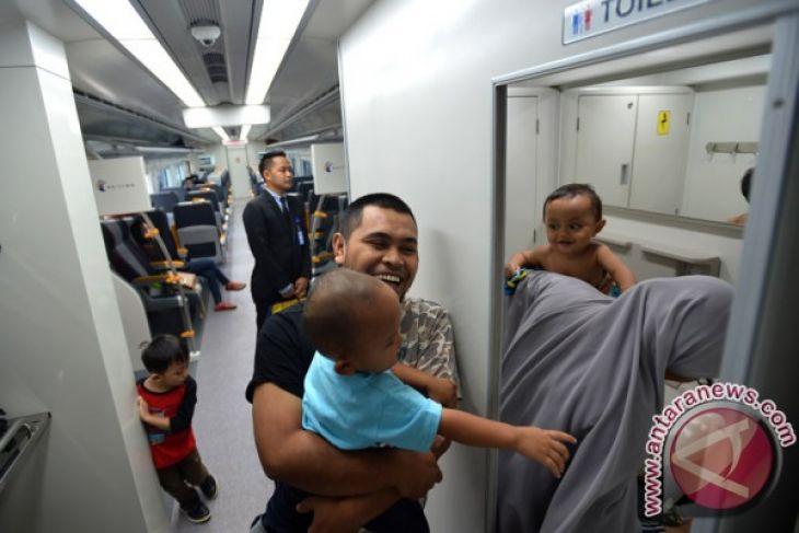 KA bandara Soekarno-Hatta angkut 4.000-an orang pada operasi perdana