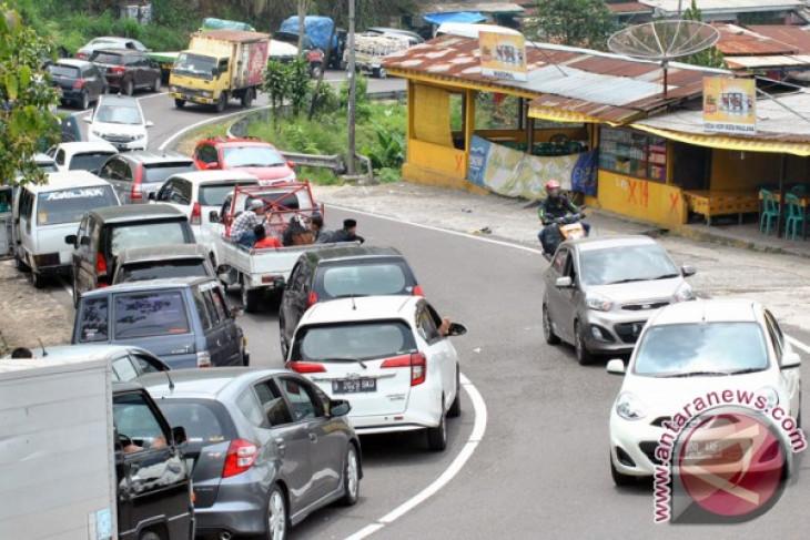 Jalur Puncak-Cianjur ditutup dari Cianjur