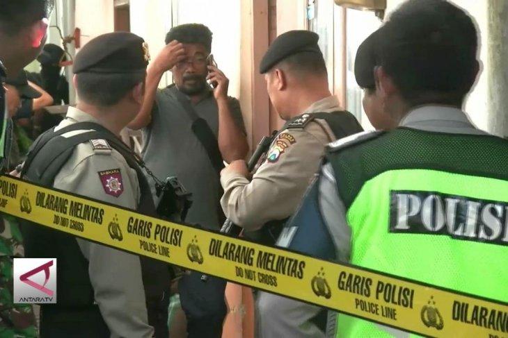 Densus 88 Tahan  Terduga Teroris di Malang