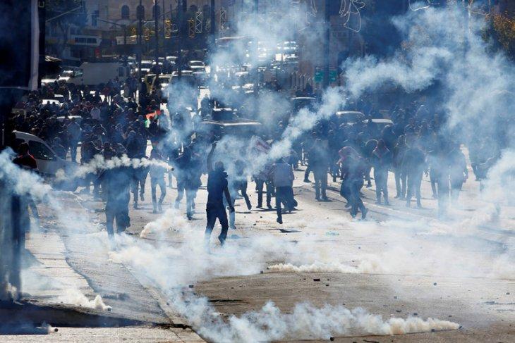 Dua remaja Palestina tewas dalam bentrokan dengan militer Israel