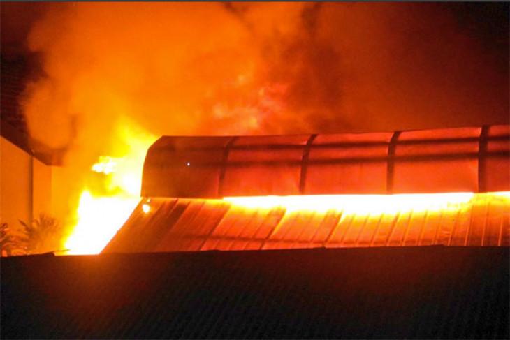 Pasar Gembrong Lama Jakarta Pusat terbakar