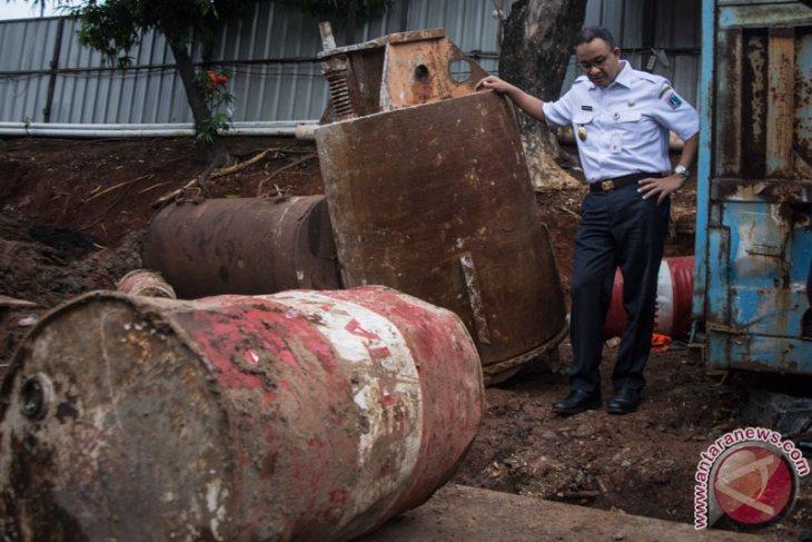 Gubernur Tinjau Lokasi Banjir