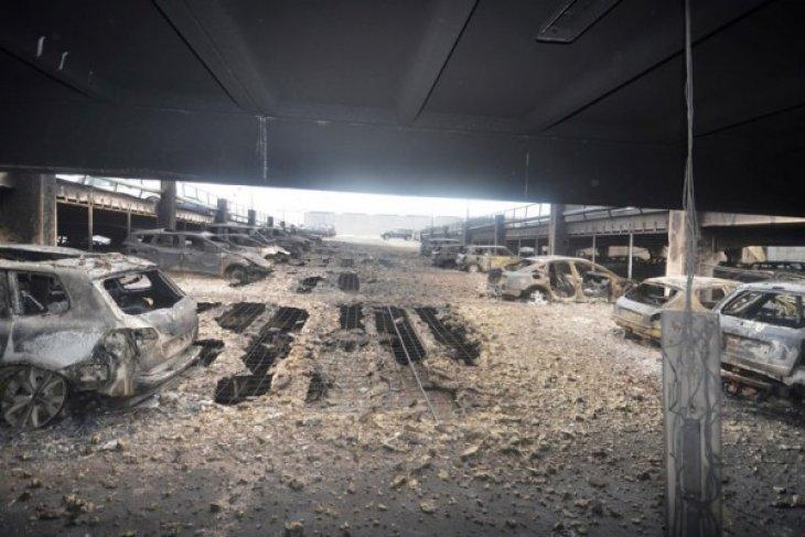 1.400 mobil hancur dalam kebakaran gedung parkir Liverpool