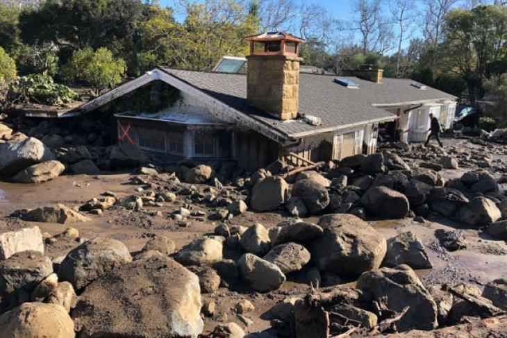 Korban tewas longsor California mencapai 18 orang