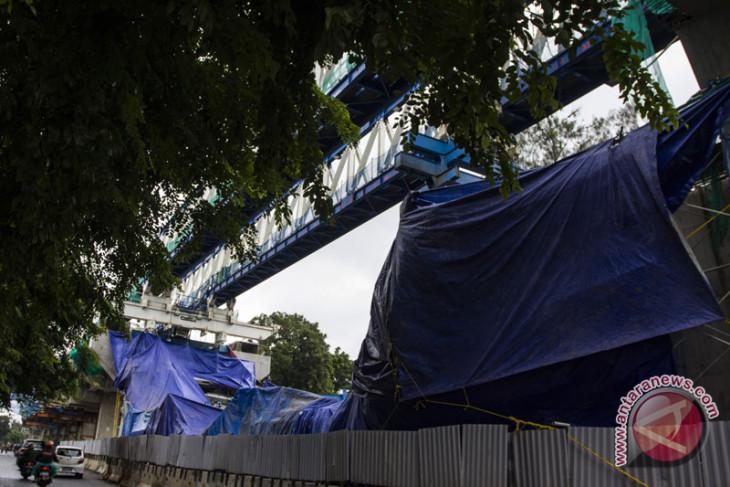 Anggota DPR kritik pemerintah robohnya konstruksi LRT