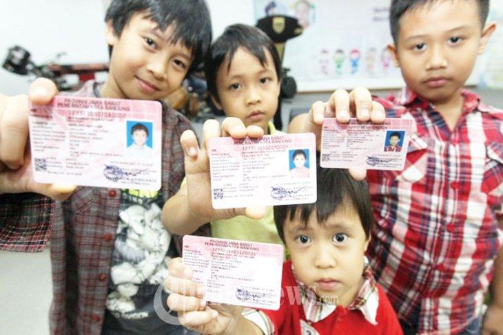 Bekasi siapkan 10.000 keping Kartu Identitas Anak